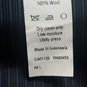 Calvin Klein Suits & Blazers - Calvin klein 100% wool suit jacket navy
